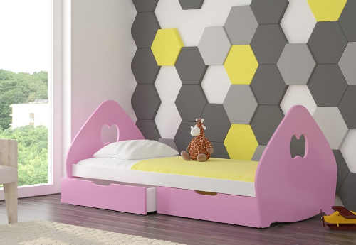 Krásná dětská postel v pestrých barvách pro děvčata i kluky