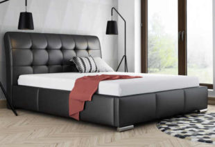 Manželská čalouněná postel s vysokým čelem pro maximální komfort