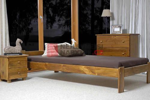 Moderní postel 80x200 cm z masivu v dekoru borovice