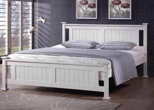 manželská postel v kombinaci dřevo a lamino