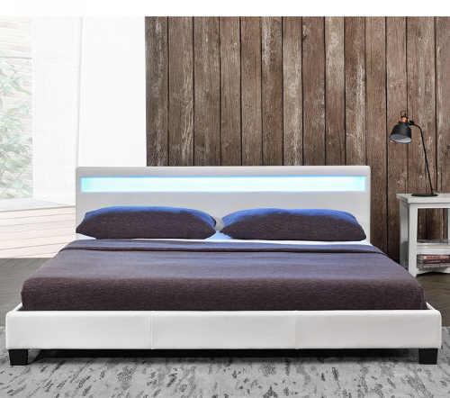 bílá moderní dvoulůžková postel s LED světlem