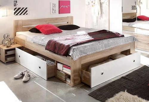 Manželská postel s úložným prostorem do malého bytu