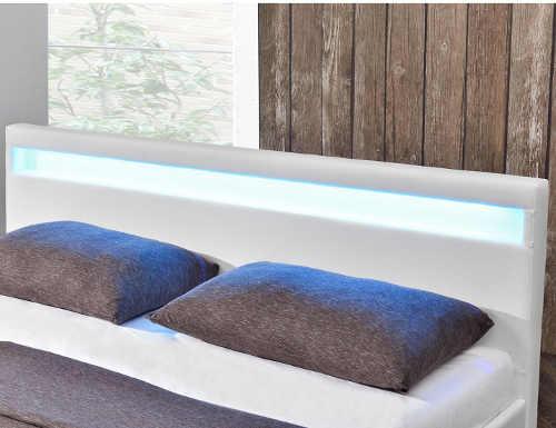 moderní prostorná manželská postel s LED osvětlením