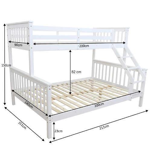 patrová postel pro 3 osoby z kvalitního dřeva