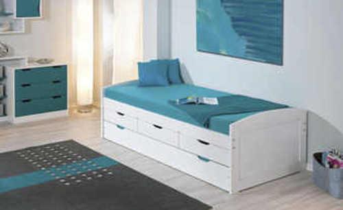 praktická postel pro jednoho s výsuvným lůžkem