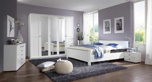 Bílý nábytek do ložnice venkovský styl