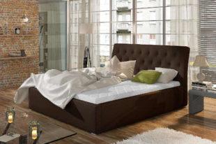 Komfortní prostorná čalouněná postel s vysokým čelem
