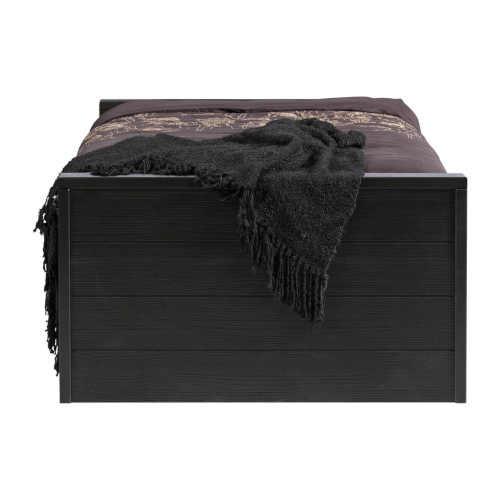 jednolůžková postel z borovice v klasickém provedení