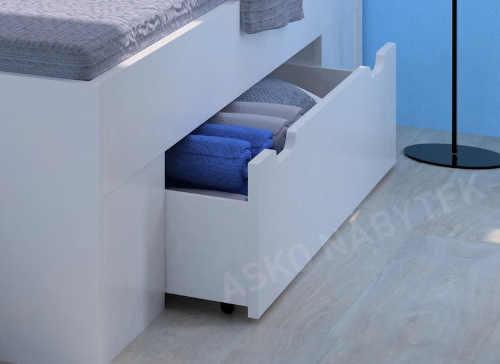 prostorná postel s úložnými prostory