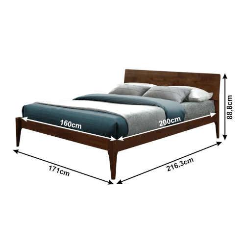 moderní postel s USB portem