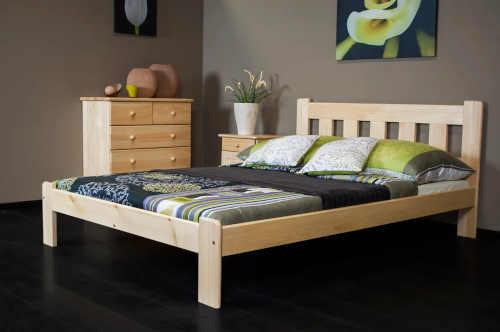 postel pro dva z masivního dřeva