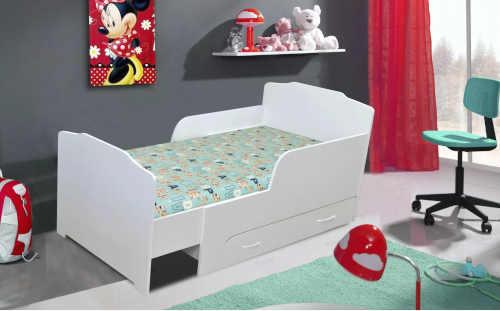 dřevěná rostoucí bílá postel