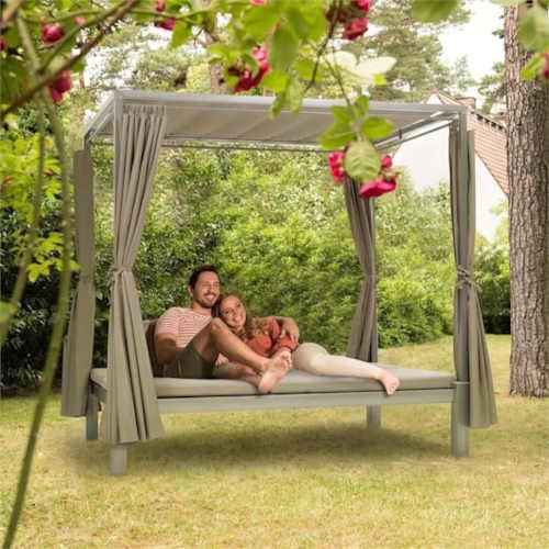 dvoulůžková postel do exteriéru