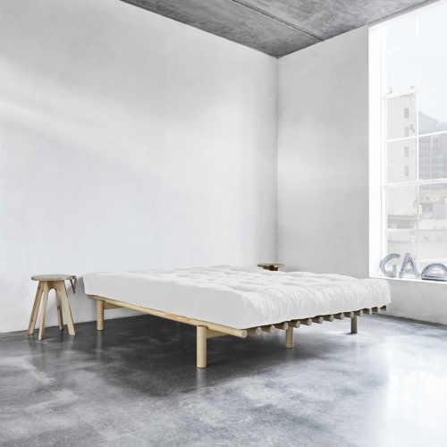 postel 160x200 cm v minimalistickém stylu