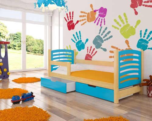 dřevěná dětská postel v módních odstínech