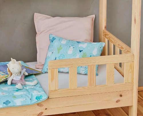 postel domeček se zábranou
