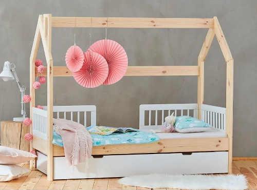 postel pro dítě z masivu