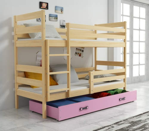 Dřevěná patrovka do holčičího pokoje