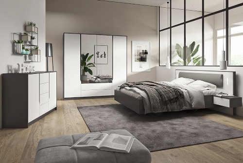 dvoulůžko v minimalistickém stylu