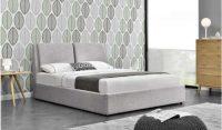Čalouněná světle šedá manželská postel s úložným místem