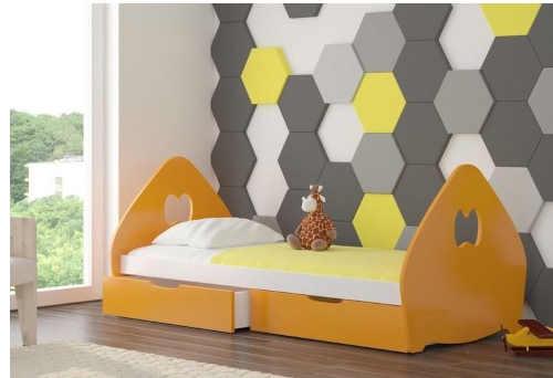 dřevěná dětská postel s úložným místem